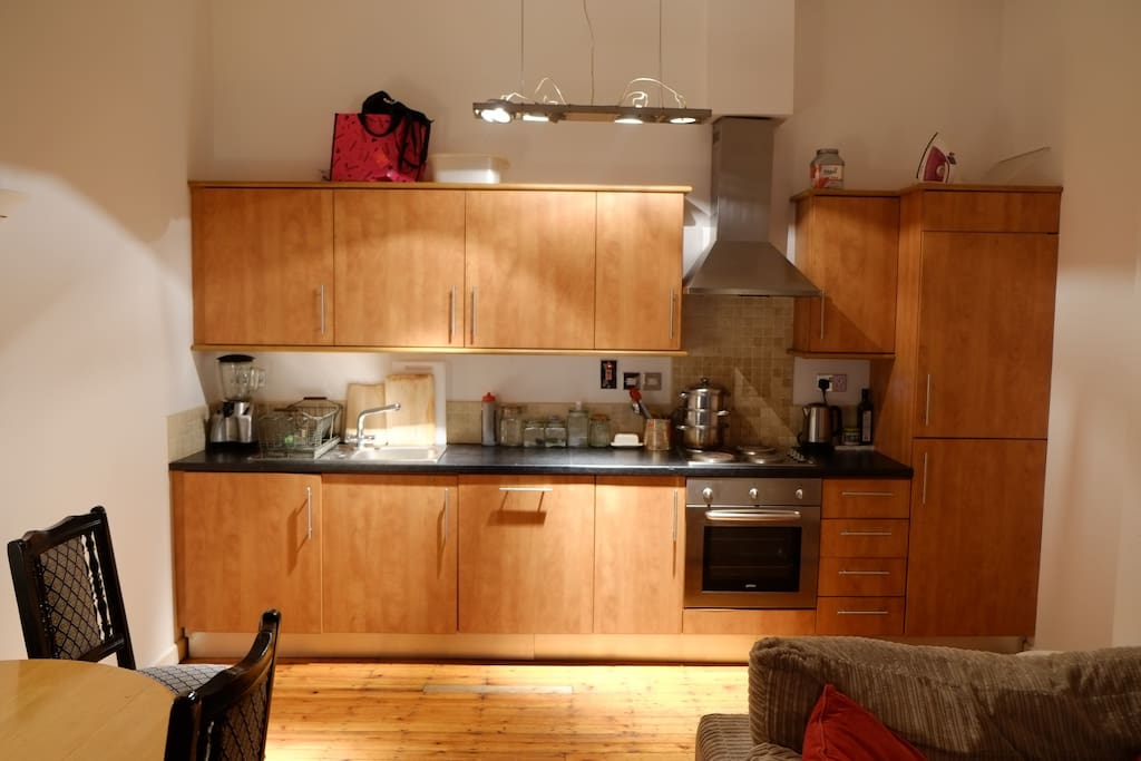 Ample kitchen space with all accessories