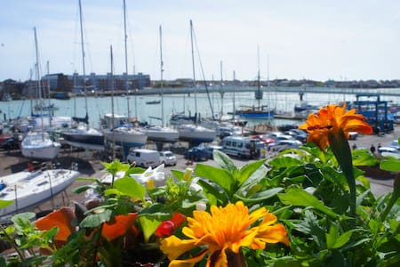 One bedroom river view flat - Shoreham-by-Sea - Huoneisto