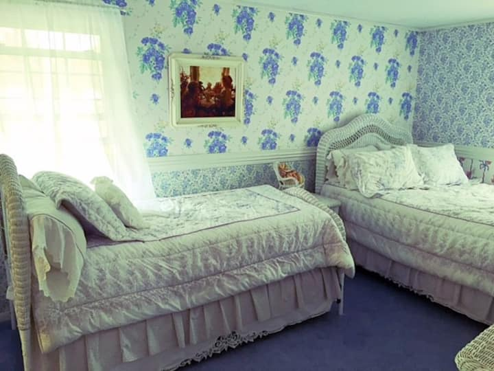 Darling Duchess Room