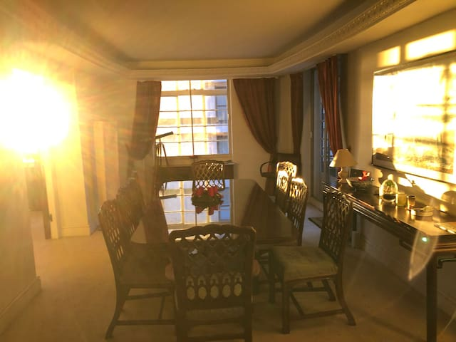 Cozy & elegant room in big flat close to Hyde Park