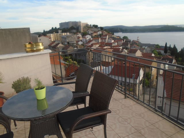 Apartment Blanka -center of Sibenik - Sibenik - Flat