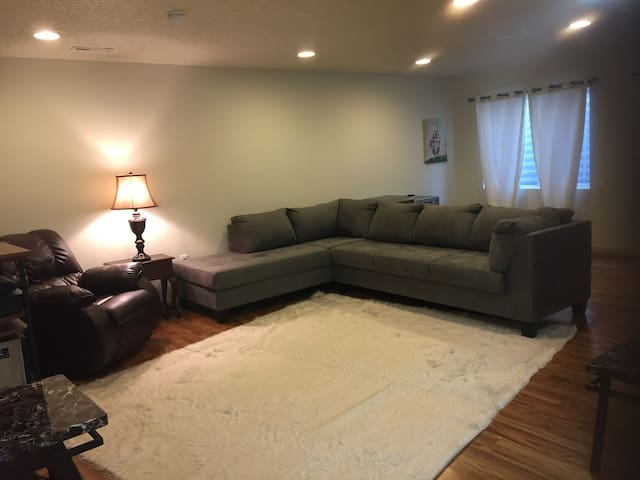 Brand new home, beautiful, quiet, peaceful! - West Valley City