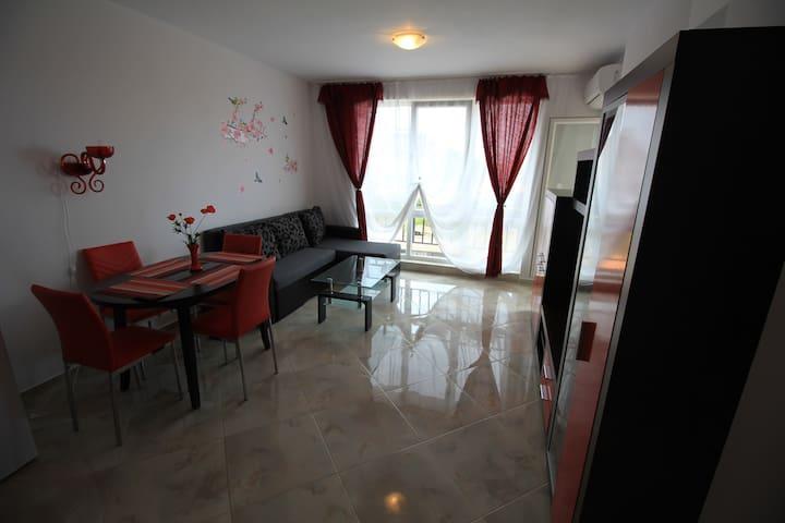 Квартира в Бургасе в кв-л Сарафово
