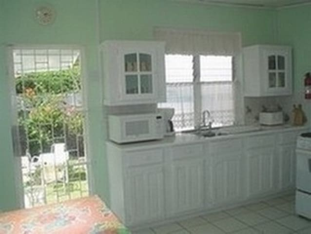 Beach guesthouse kitchen