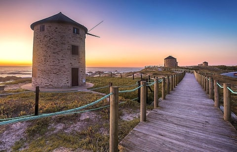 """APÚLIA - """"Pedrinhas Beach House"""""""