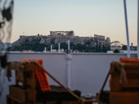 Зашеметяваща гледка към Акропола и Атина