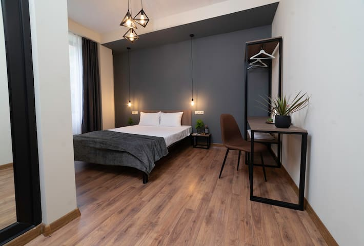 SH Hotel Deluxe Room near Tbilisi Railway Station