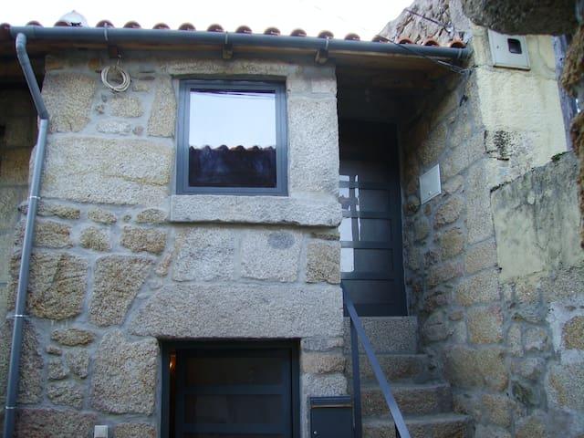 Douro - Porto Wine - Santo Adrião / Armamar / Viseu - Rumah