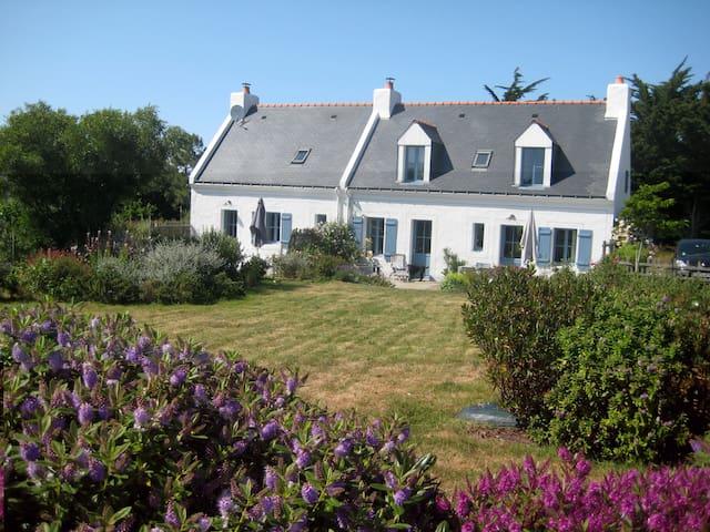Maison avec jardin, la plage à pied - Le Palais - Ev