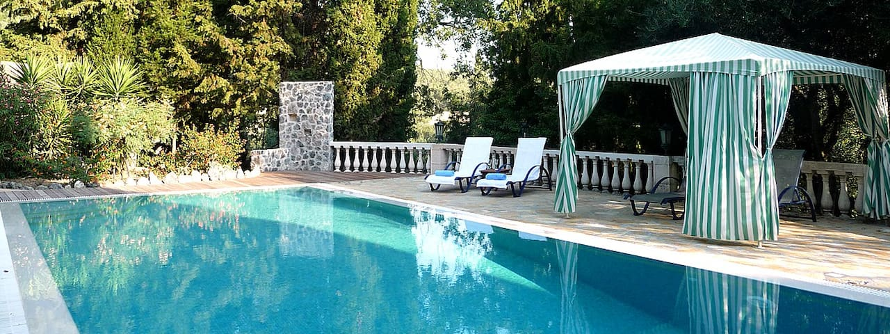Supreme Villa 95m² with pool - Korfu - Byt
