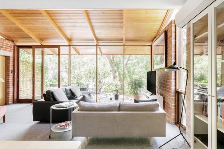 Luxury Apartment in Native Bushland Setting