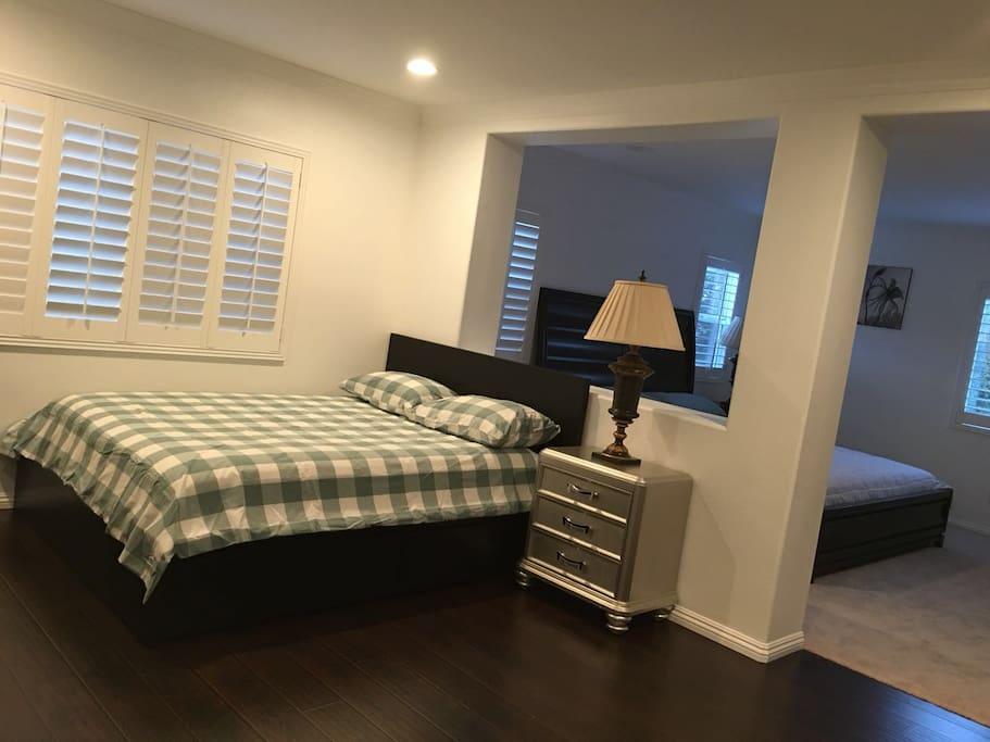 房间内:小客厅
