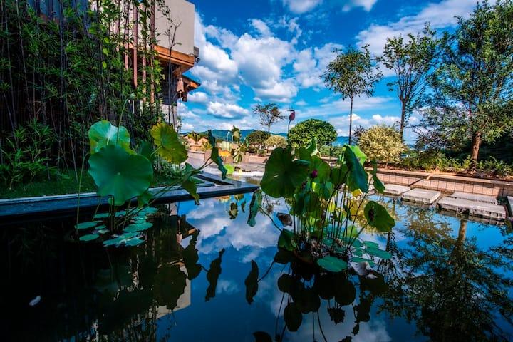 武夷山核心景区兰汤村|三姑岩下|设计师民宿|花筑茶隐山房·初见大床房|2m特大床|可住2人