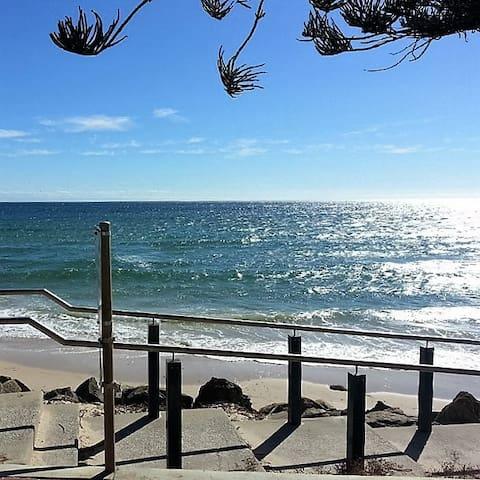 Hove beach 10 mins walk away.