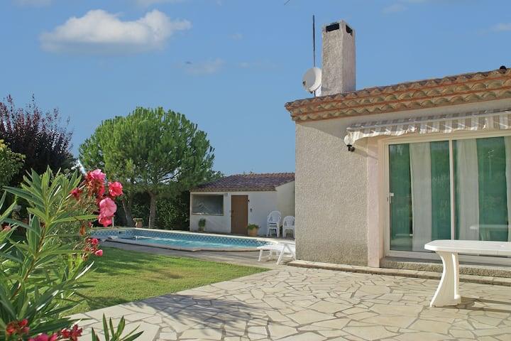 Villa moderne avec piscine privée dans le sud de la France