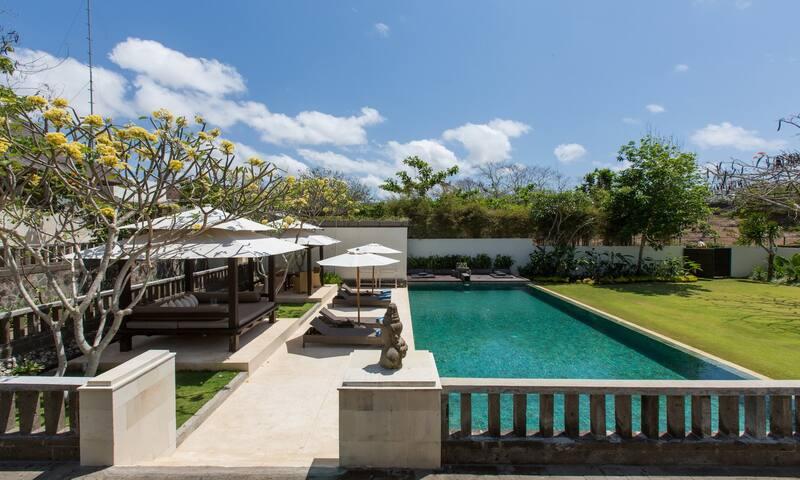 Lovely 1-3 bed and 3 private pool Uluwatu villas - Uluwatu - Villa