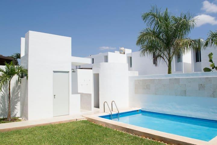 Cute Minimalistic House