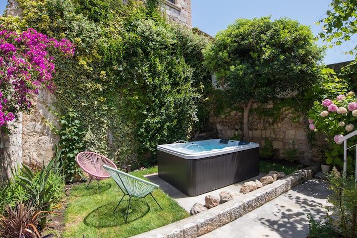 Memento Vivere- garden apartment next to Old Town
