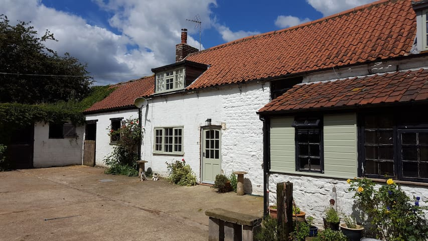 Rural self contained B&B with optional stabling - Leicestershire - Bed & Breakfast