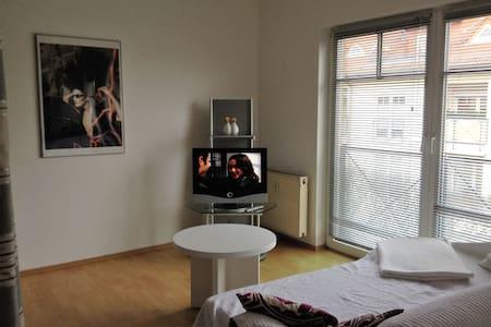 Little flat in Velten-Ofenstadt bei Berlin - Velten - Daire
