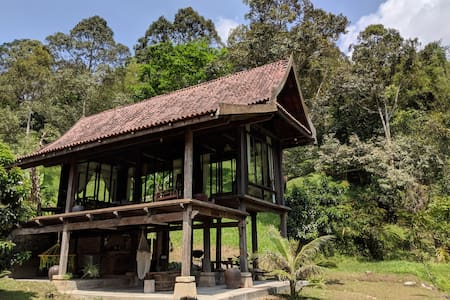 Janda Baik 100 Year Old Wooden Villa Refurbished