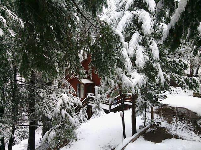 Natasha's Hideaway at Casa Victoria - Pollock Pines