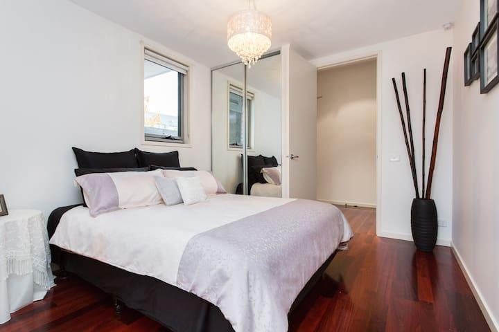 Spacious Brunswick Inner City Flair - Brunswick - Apartment