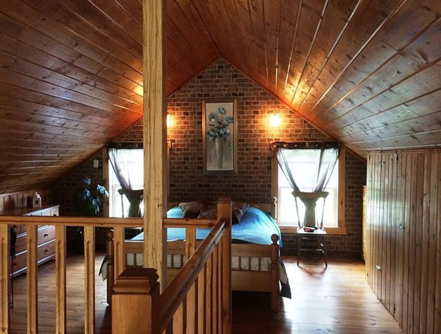 Mezzanine - chambre principale avec lit Queen