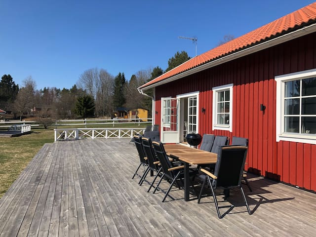 Newly built country house in Stockholm archipelago
