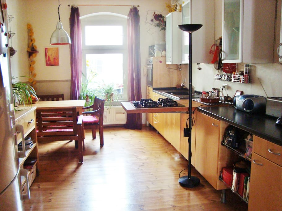 single furnished room in the middle of berlin flats for rent in berlin berlin germany. Black Bedroom Furniture Sets. Home Design Ideas