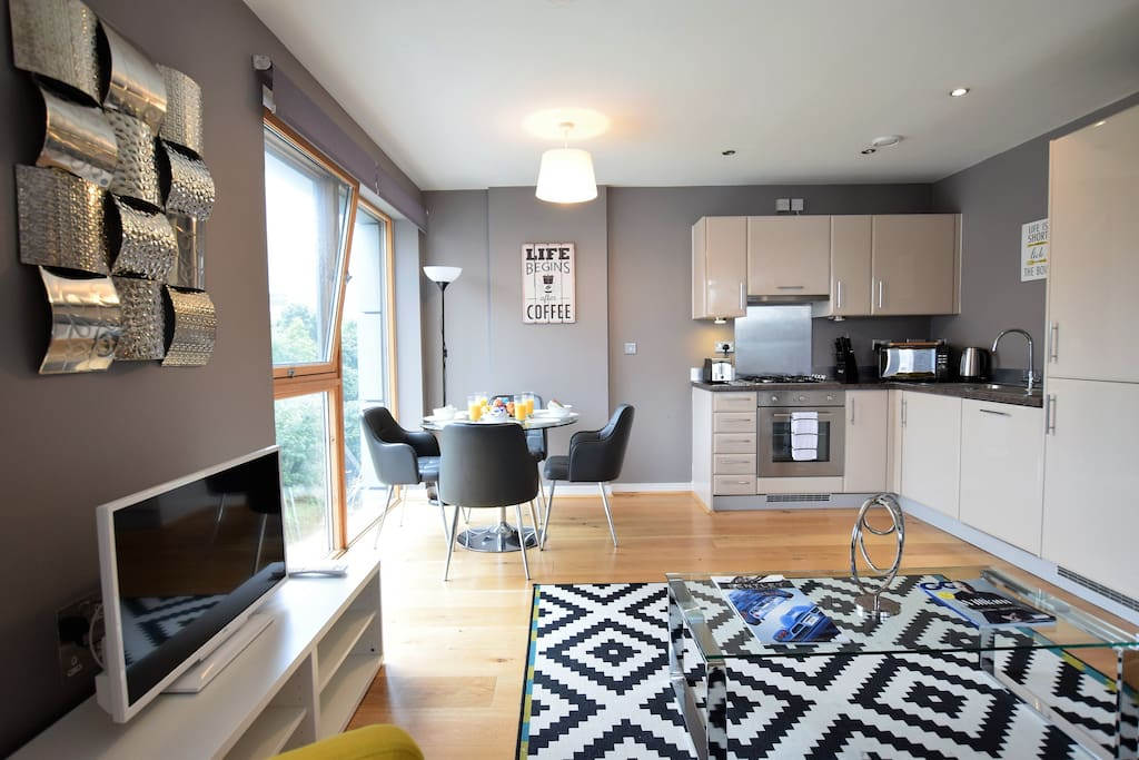 City Centre Apartment-Cabot Circus- Eclipse Tower ...