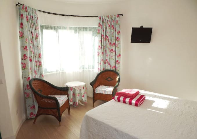 B&B La Fonda - Palau - Bed & Breakfast