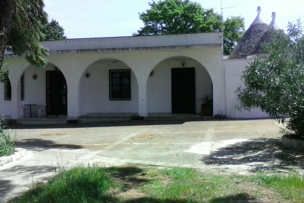Piazzale e porticato