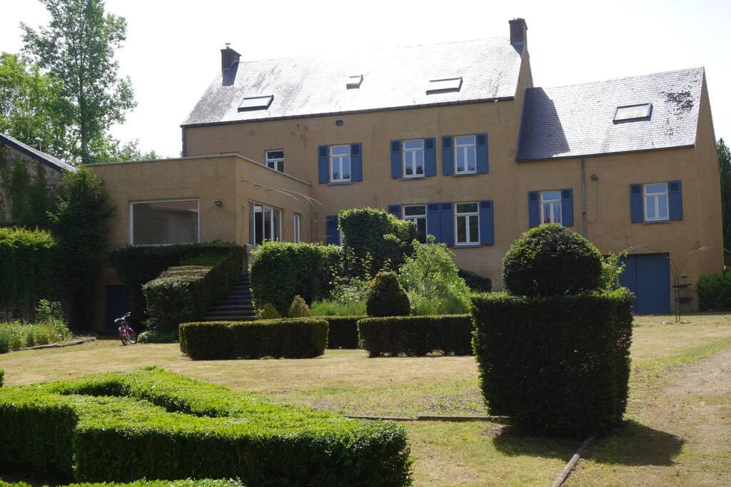 Chambre louer 1 lit double maisons louer for Chambre a louer liege belgique