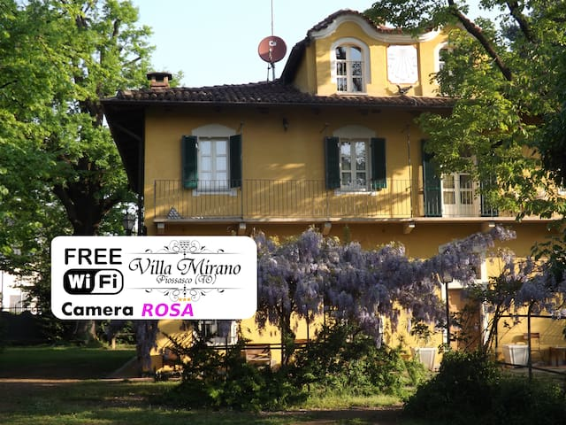 Villa Mirano B&B Pink Room - piossasco - Bed & Breakfast