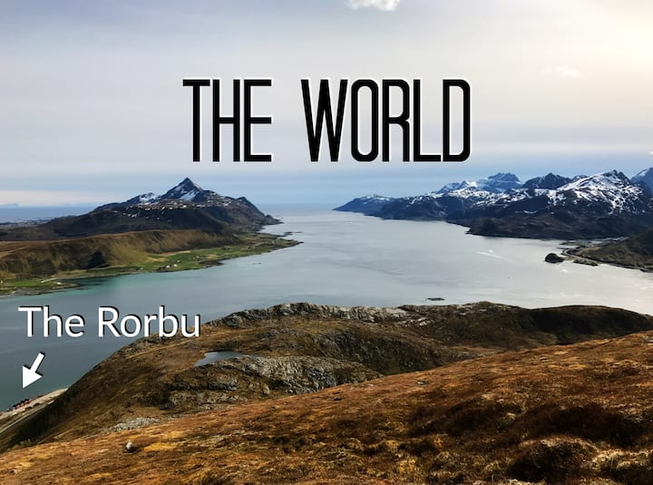 Rorbu with fantastic view in the middle of Lofoten