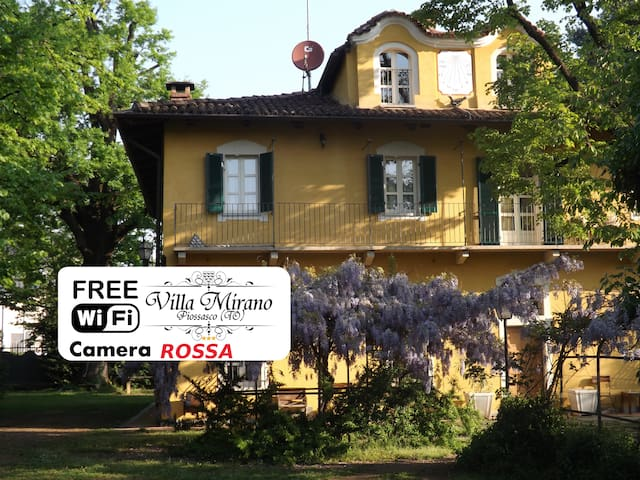 Villa Mirano B&B Red Room - Piossasco - Bed & Breakfast