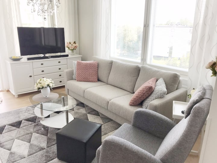 Brand new apartment - only 17 min from Airport!