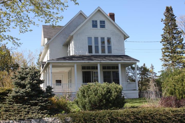 Perkins Street Kennedy House