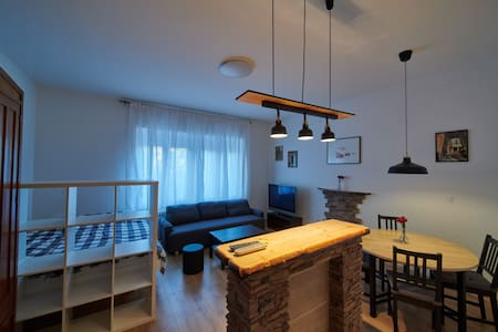Kaptol apartment near centre, parking available