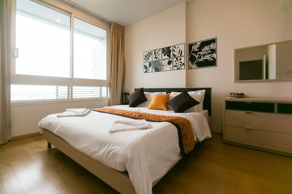 private bedroom with king size bed