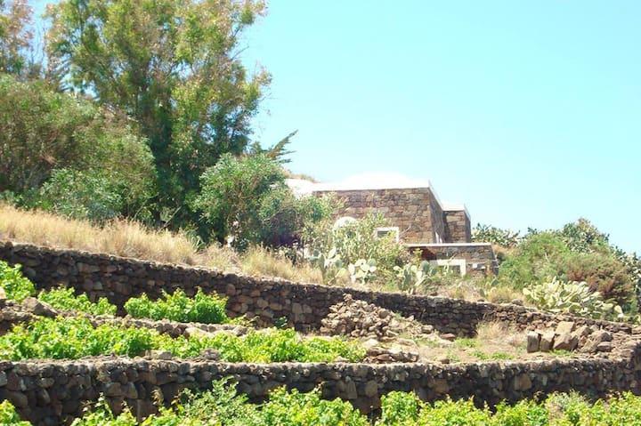 villa panoramica stile dammuso