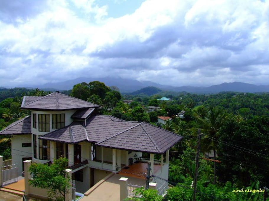 Beautifully located with a view of mountain range. 4.4km away from Kandy City Centre.