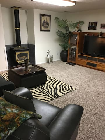 Private in-law suite near Gonzaga and Mt Spokane!