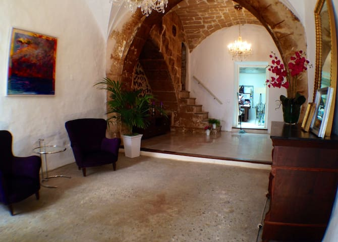 Gorgeous house in Alcudia OldTown - Alcúdia - Hus