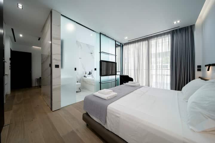 The Duke suite 303 (executive suite/hot tub)