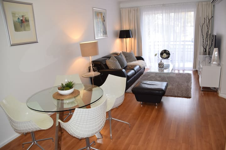 CITY 3BR, Free WiFi & Car Park - Adelaide - Appartement