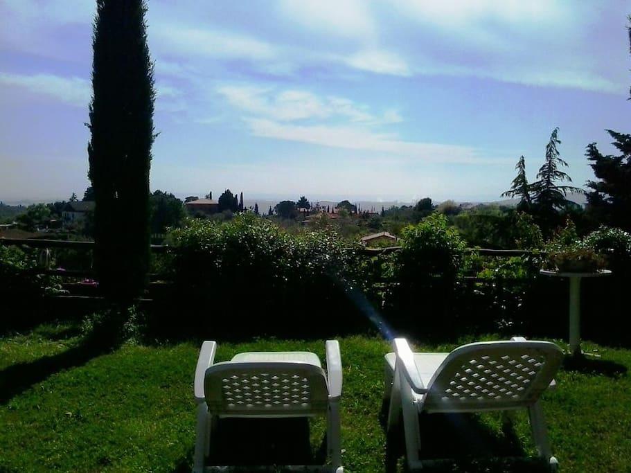Jet Privato Last Minute : Last minute casa con giardino privato vista mare case