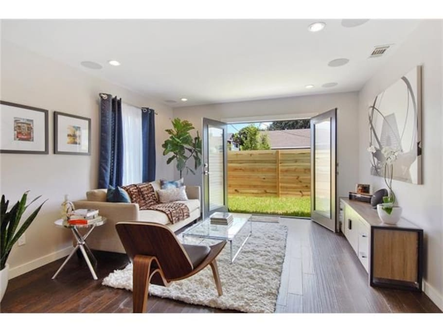 Unwind in this newly renovated unit in Historic Faubourg Marigny.