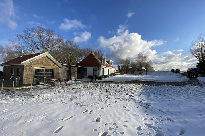Quietly situated at the edge of the Ijssellake.